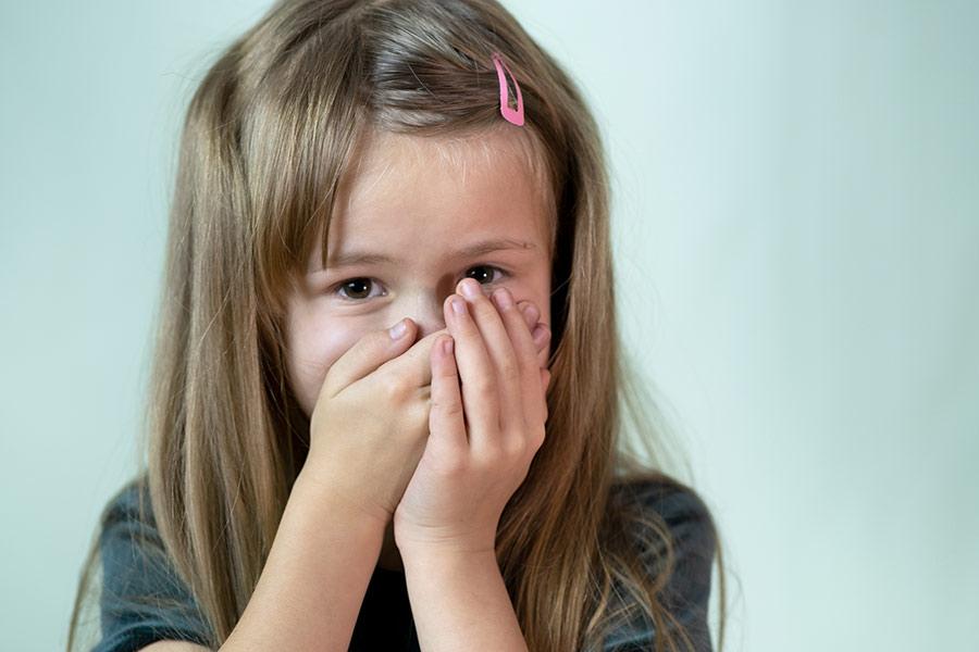 Cómo ayudar a los niños a superar la vergüenza