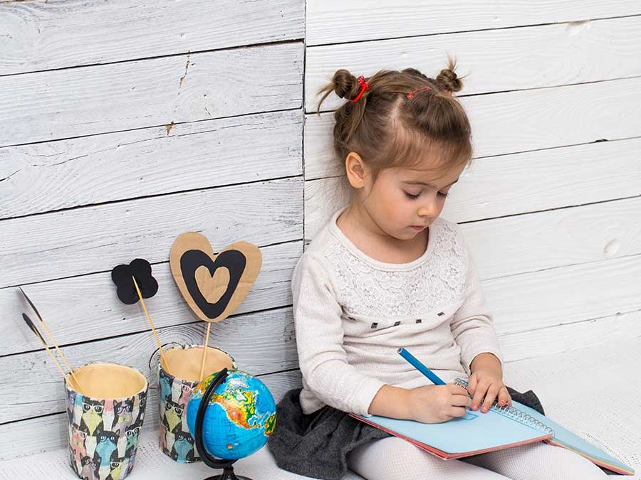 Como ayudo a mi hijo con los deberes escolares