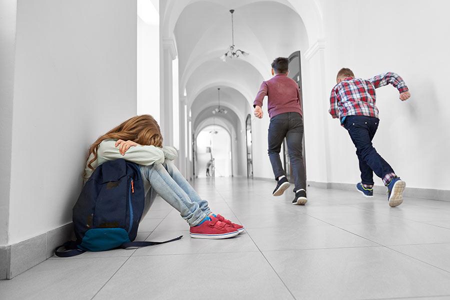 Fobia escolar: qué es, síntomas y cómo ayudarle